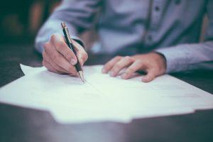 Czym jest umowa sprzedaży